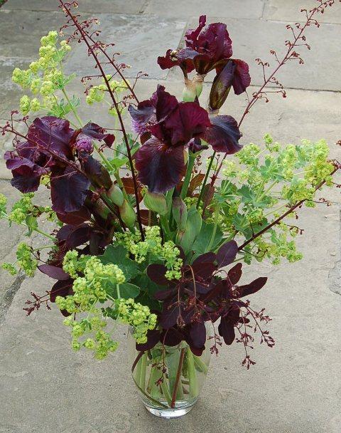 Flowers in vase 001