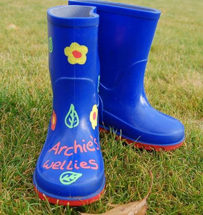 Archie's boots 011