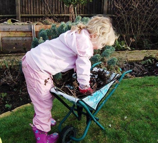 Ava gardening 005