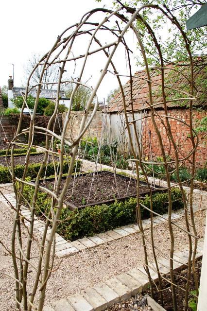Garden Arches, Robotic Arms And Shakespearian Prophecies